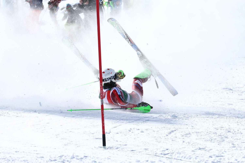 La caduta di Alex Vinatzer ©Andrea Chiericato