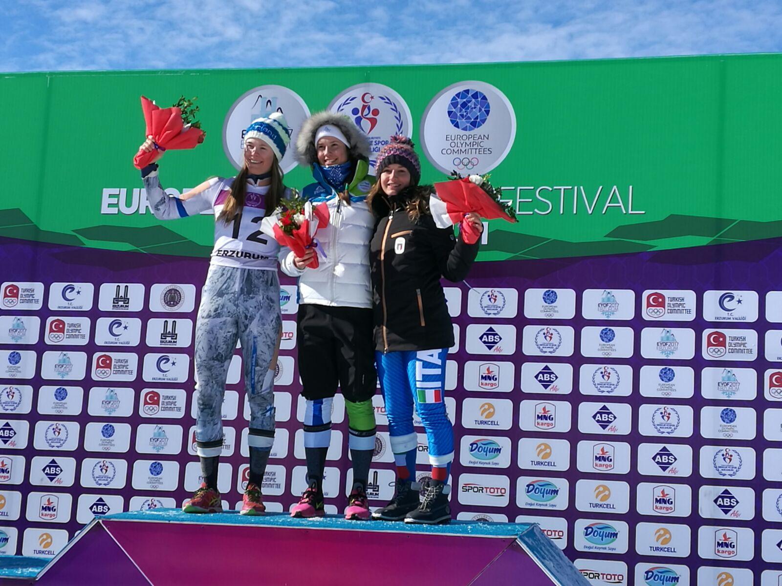 Il podio dello slalom EYOF in Turchia con il bronzo di Lara Della Mea