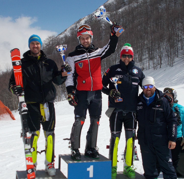 Il podio della FIS ©Gabriele Pezzaglia