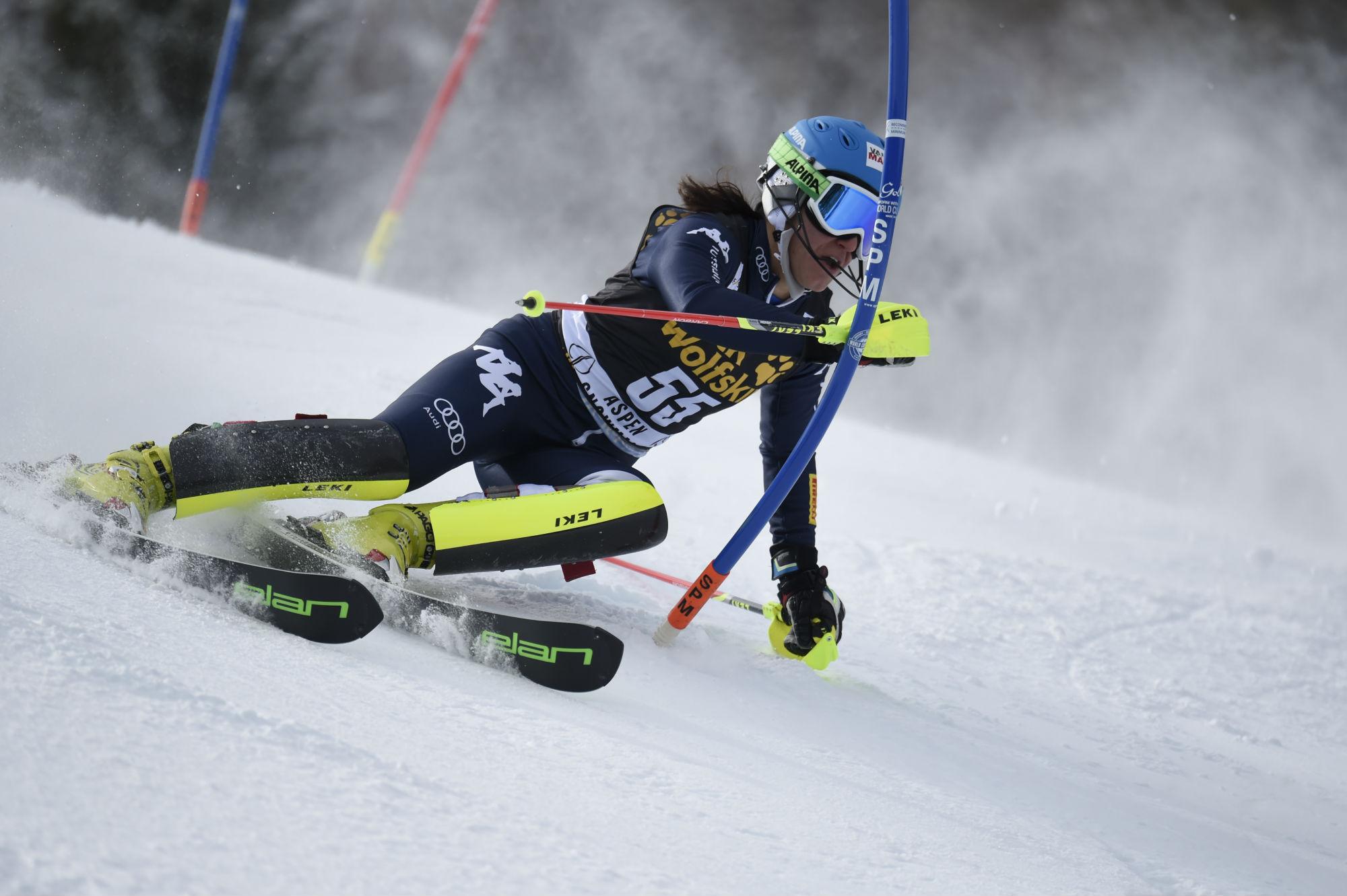 Nicole Agnelli in azione in slalom @Zoom Agence