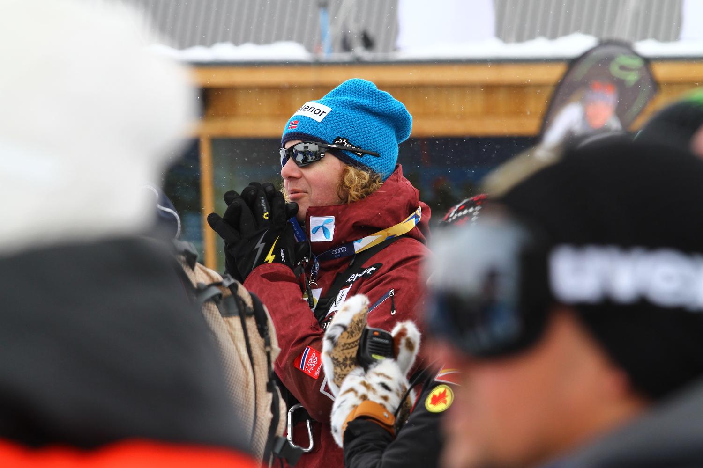 il tecnico norvegese durante la discesa di Jansrud