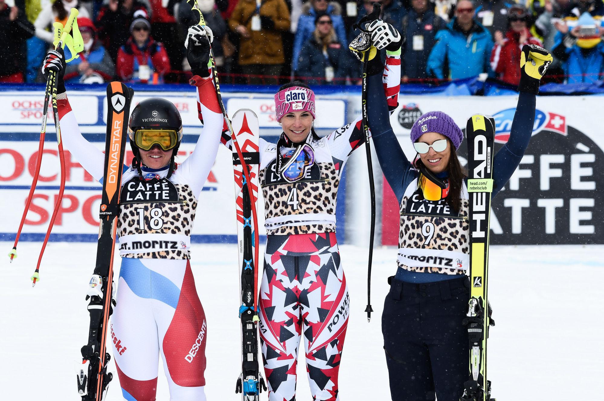 Fabienne Suter, Mirjam Puchner ed Elena Curtoni: il podio dell'ultima (decima) discesa stagionale, a St. Moritz