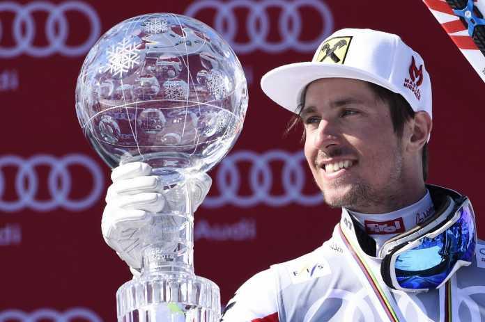 Marcel Hirscher con la sfera di cristallo