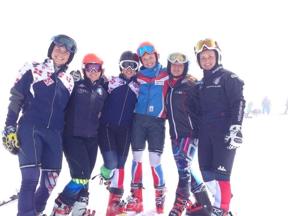 Da sinistra: Lucrezia Lorenzi, Giulia Lorini, Carlotta Saracco, Vera Tschurtschenthaler, Lara Della Mea, Martina Perruchon @Pfitscher