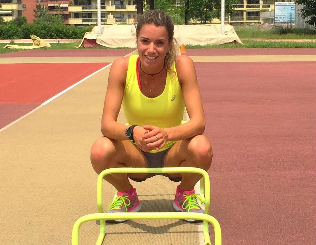 Marta Bassino al campo d'atletica leggera. E' seguita da un preparatore personale