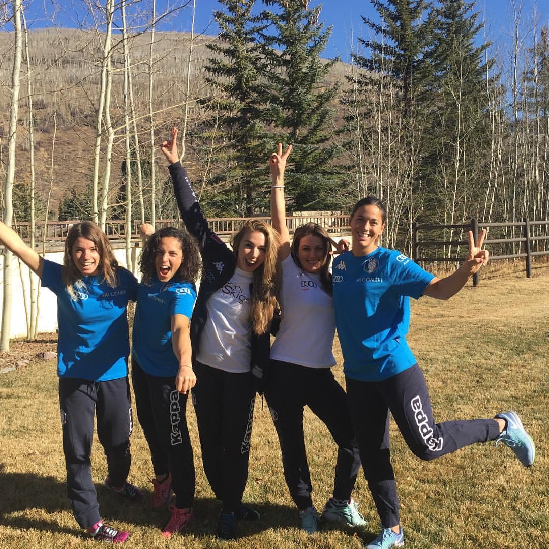 Marta Bassino, Federica Brignone, Francesca Marsaglia, Nadia Fanchini ed Elena Curtoni in Colorado. La neve dov'è? (@Pag. FB Nadia Fanchini)