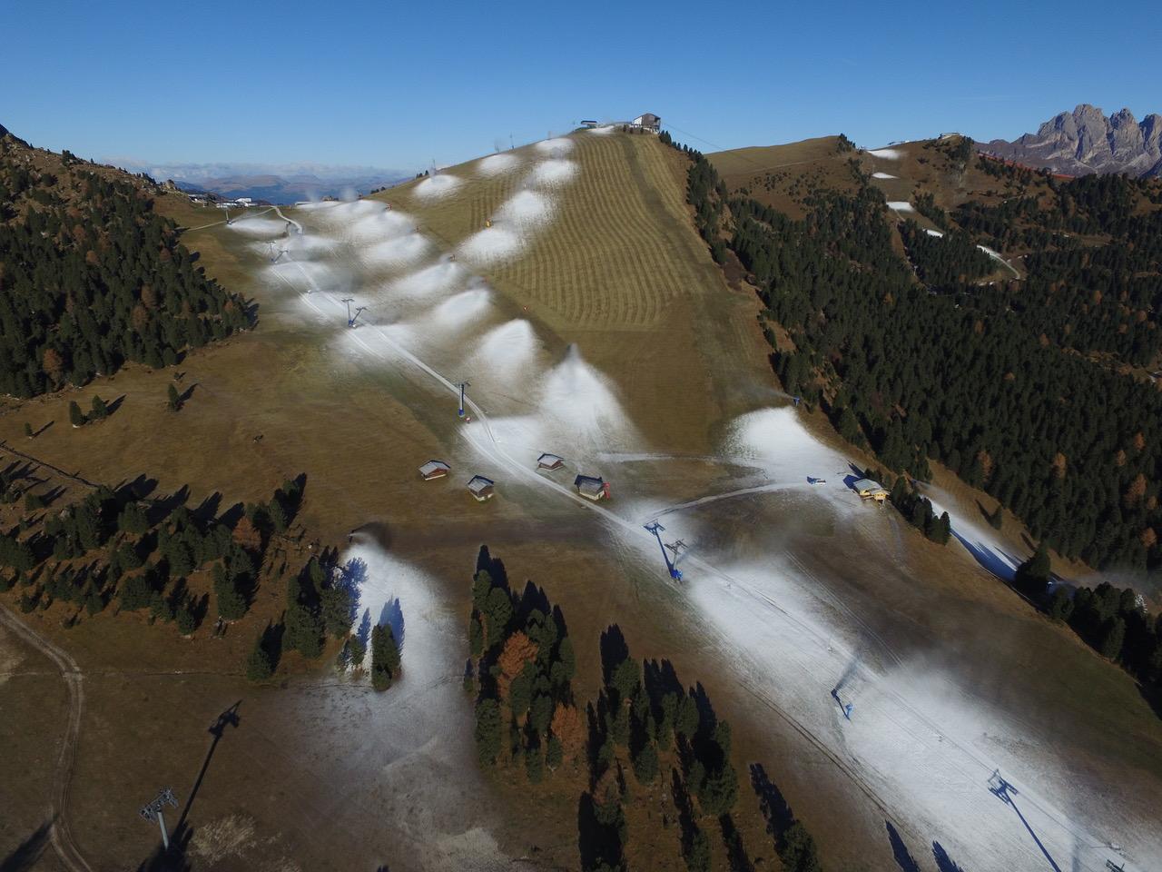 Cumuli di neve in pista