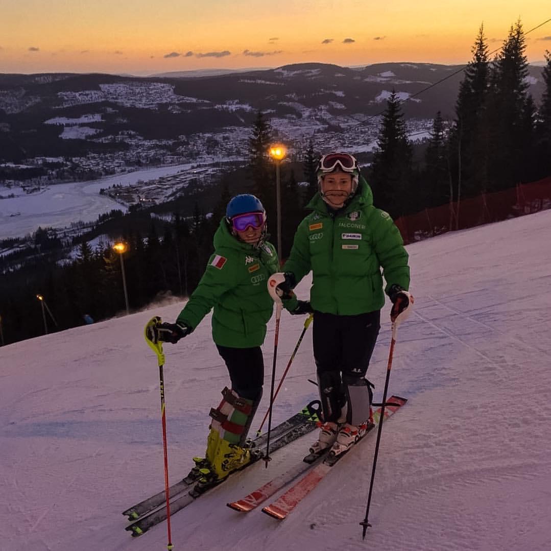 Nicole Agnelli con Martina Perruchon in Norvegia (@Pag. FB)