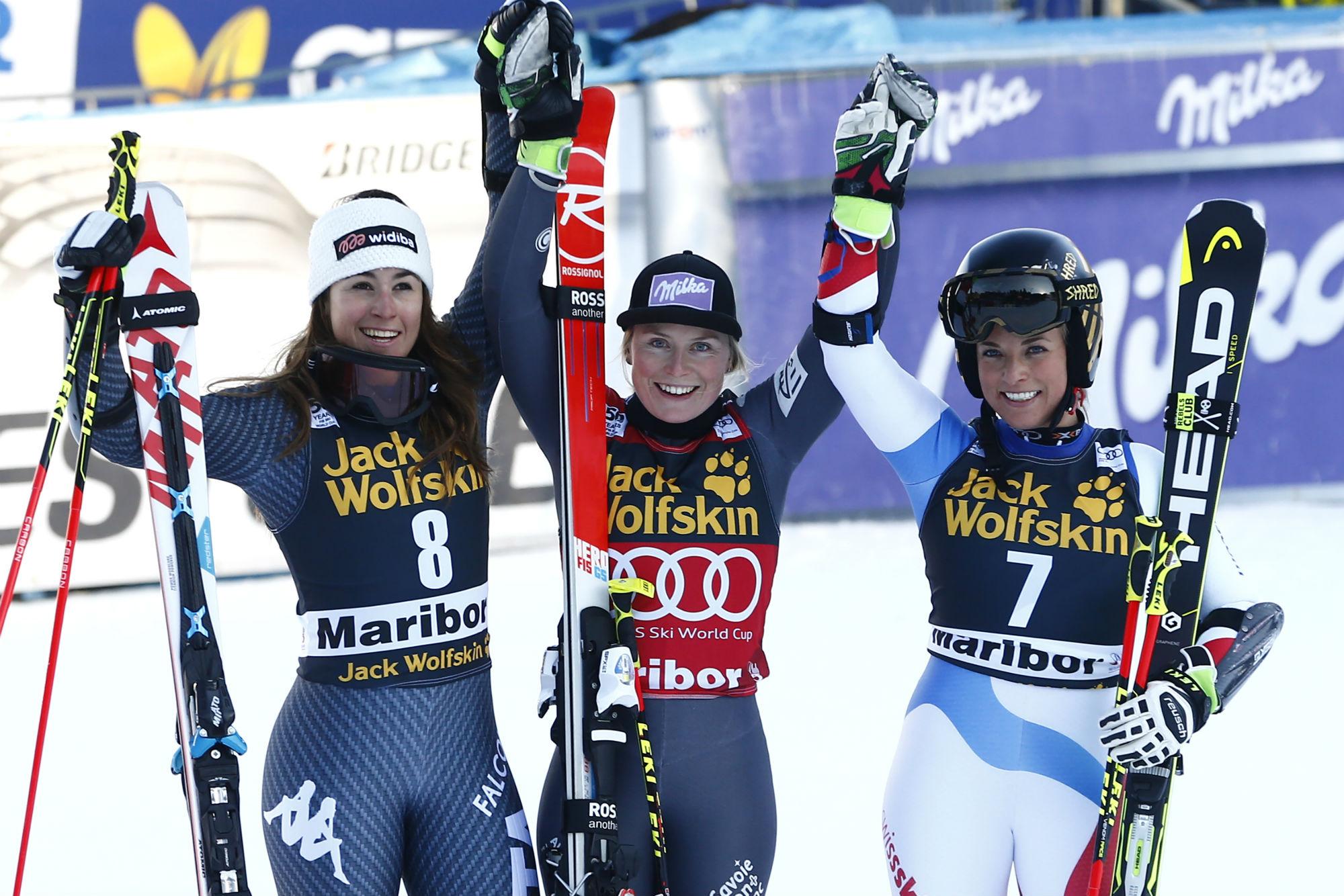 Sofia Goggia, Tessa Worley, Lara Gut sul podio a Maribor (@Zoom agence)