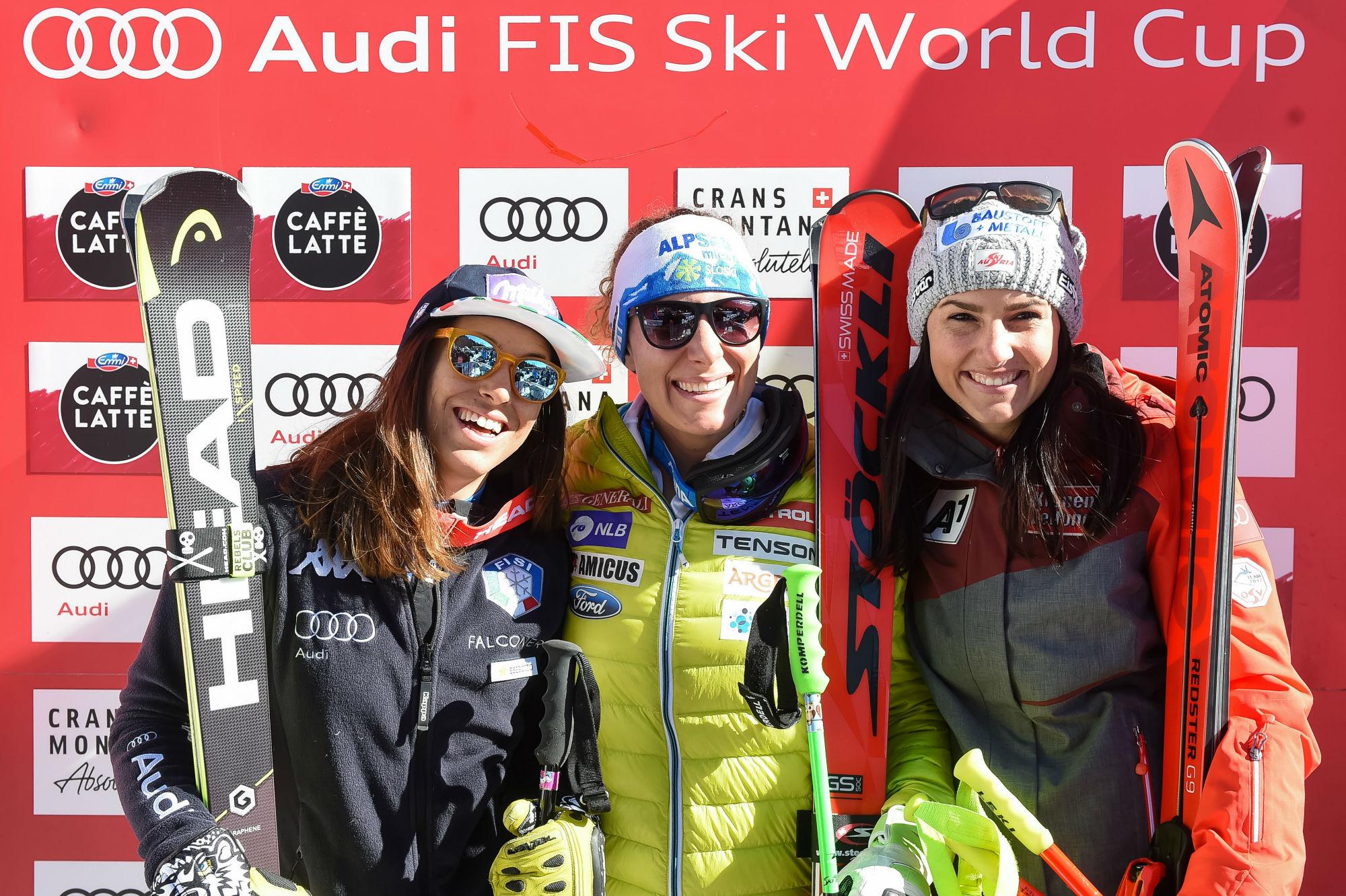 Da sinistra: Elena Curtoni, Ilka Stuhec e Stephanie Venier. Il podio del quinto superG stagionale a Crans Montana (@Zoom agence)