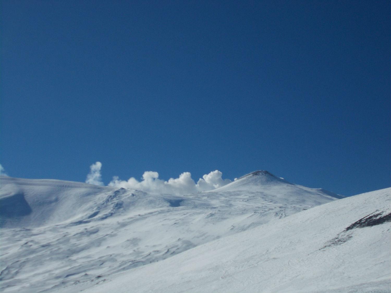 Il vulcano fuma... ©Gabriele Pezzaglia