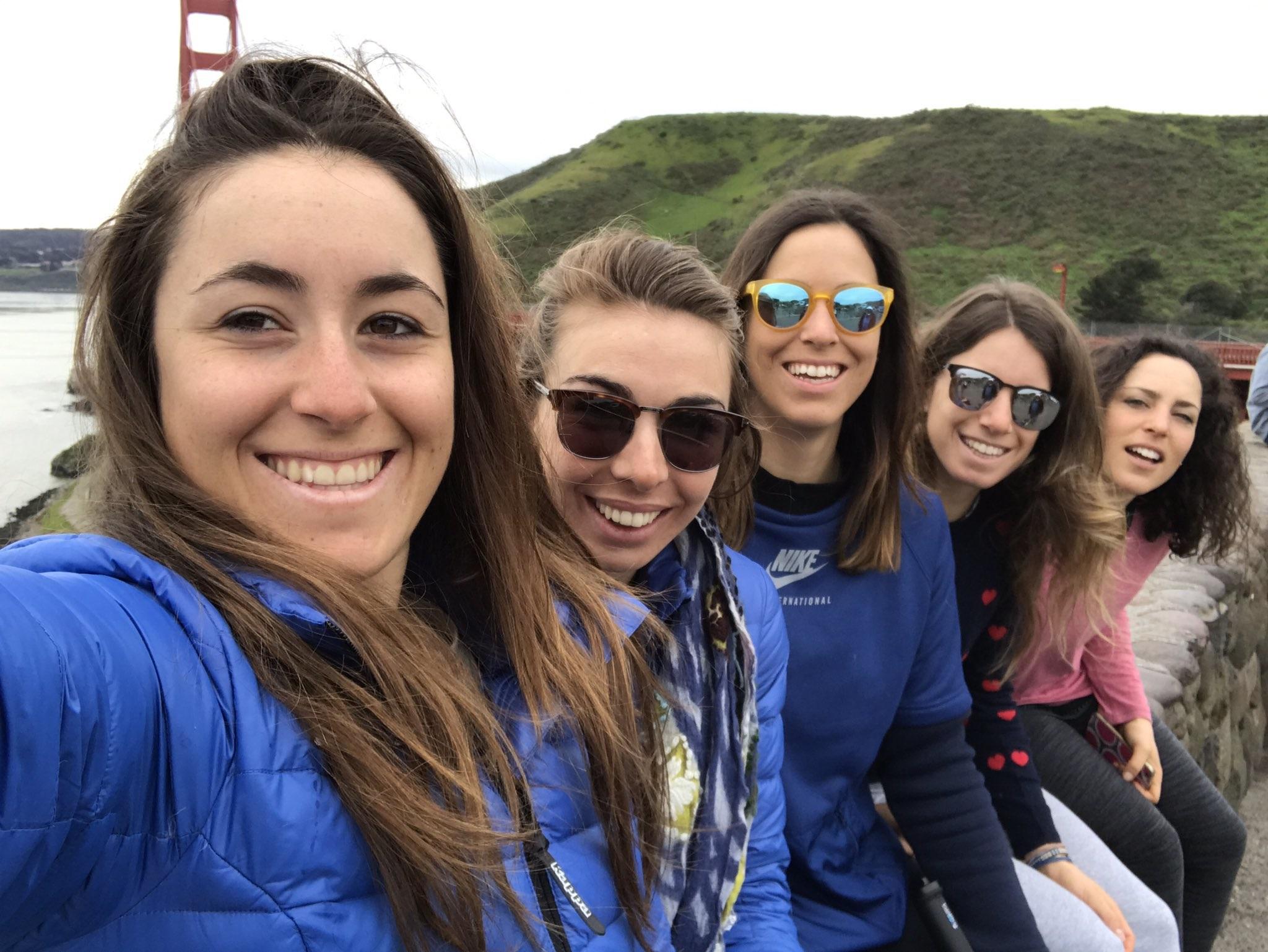 Goggia, Marsaglia, Curtoni, Bassino e Brignone a San Francisco (@Pag. FB ufficiale Goggia)