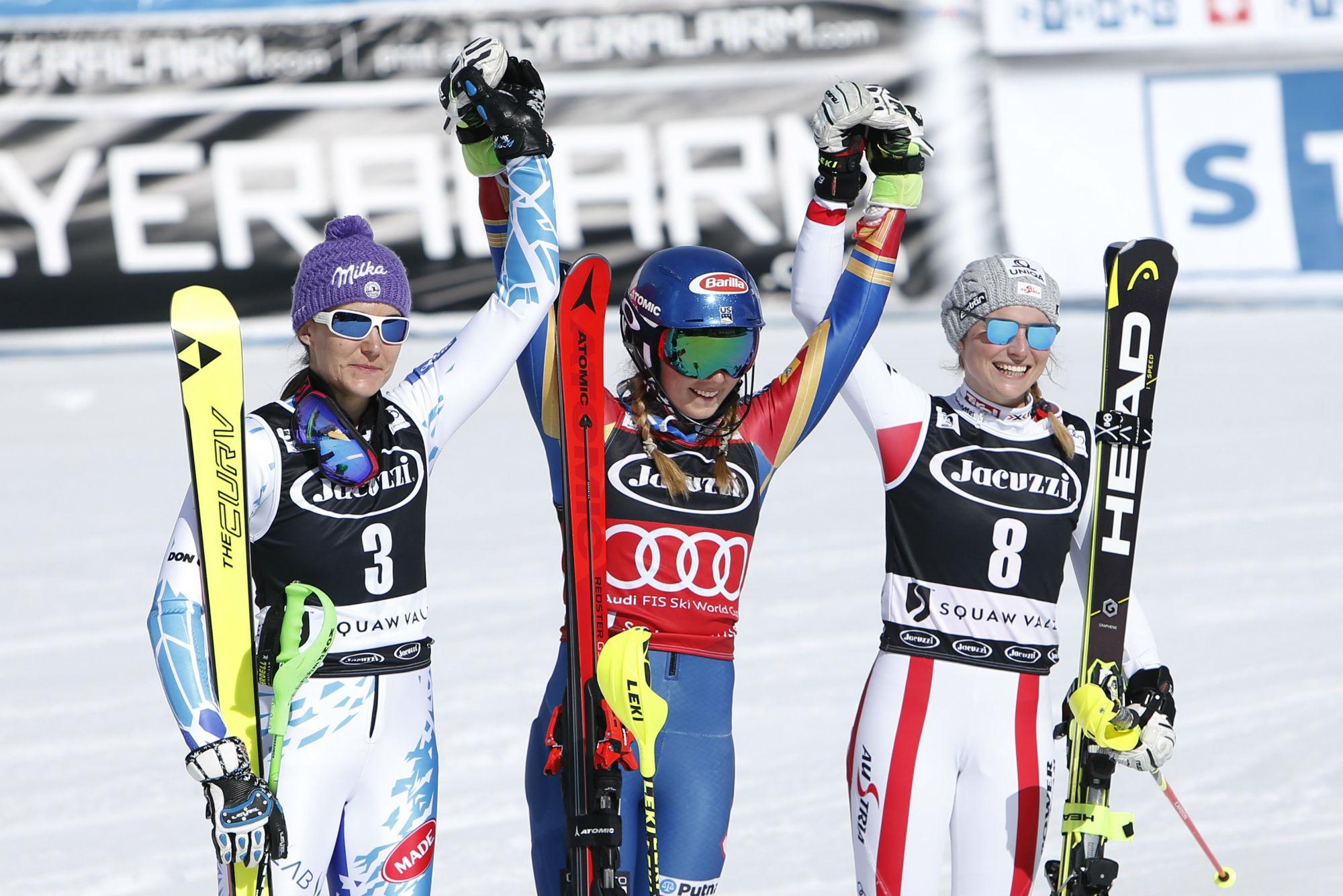 Sarka Strachova, Mikaela Shiffrin e Bernadette Schild sul podio dello slalom di Squaw Valley 2017 (@Zoom agence)