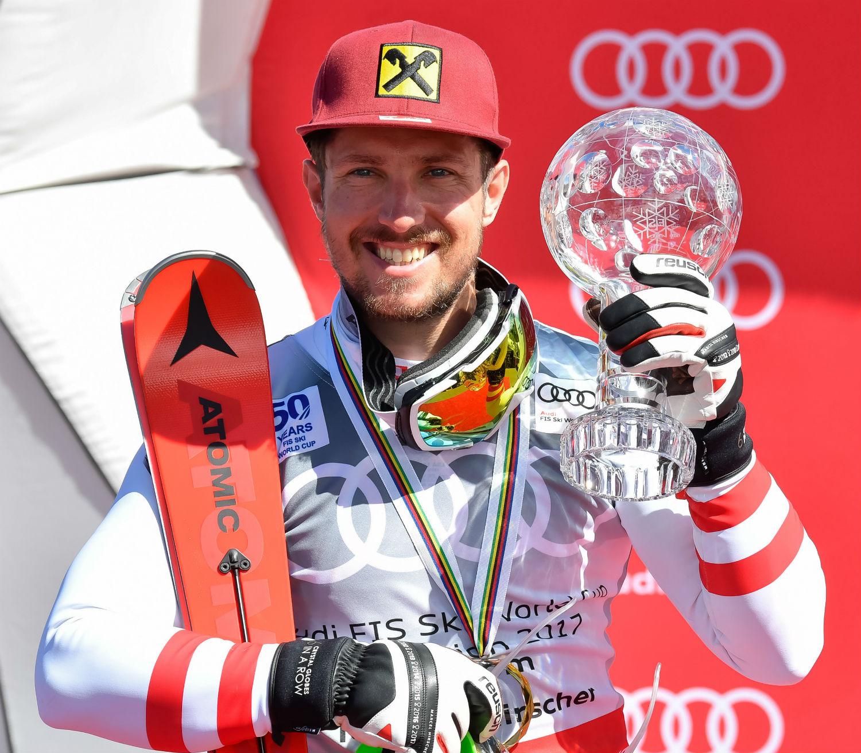 Marcel Hirscher con la Coppa del Mondo di slalom @Agence Zoom