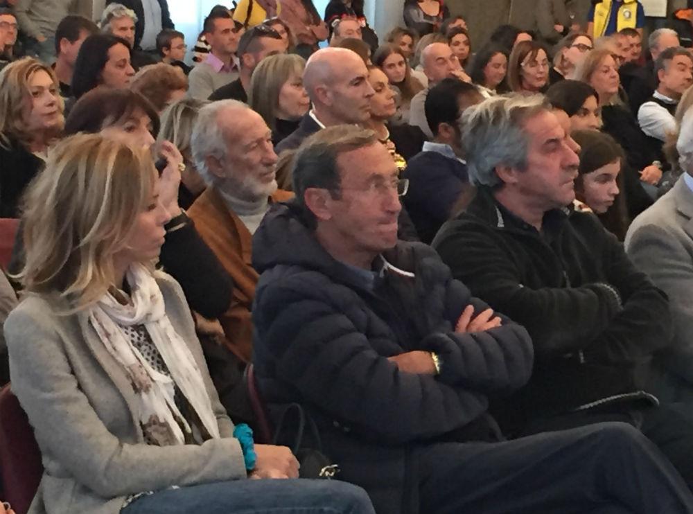 L'ex presidente della Camera dei Deputati Fini alla premiazione per la figlia Martina